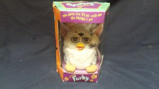 1998 Vintage Fuby Tiger Electronic Model 70 - 800 Pink & Gray W/ Paper