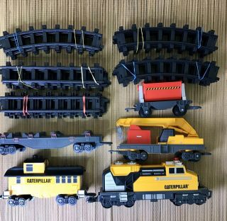 Toy State Caterpillar Cat Motorized Train Set 55651