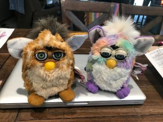 2 Vtg Furby Giraffe And Multicolor Model 70 - 800 1998 And 1999 With Tag,