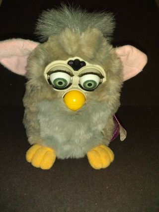 1998 Tiger Electronics Furby Grey With Orange Feet And Blue Eyes 1st Gen.