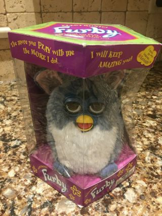 Furby 70 - 800 Series 1 White Belly Blue Feet Electronic Toy