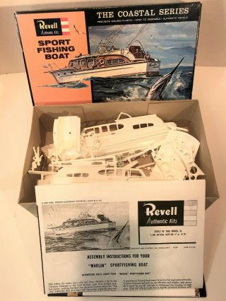 Revell H - 0387 - Chris Craft Sport Fishing Boat - 1964 The Coastal Series